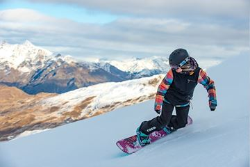 Picture of Mountain Holiday Snowboard Program, Age: 16-17yrs - Full