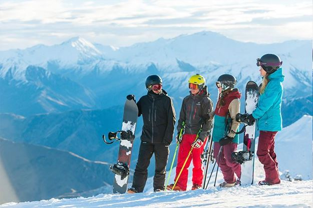 Picture of Mountain Holiday Ski Program, Age: 16-17yrs
